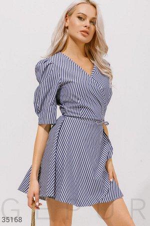 Полосатое платье на запа́х