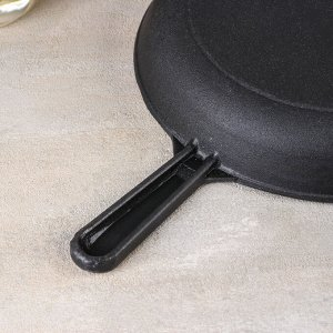 Сковорода 24 см, с чугунной ручкой