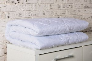 Одеяло Ткань - микрофибра  В зависимости от наличия на складе, расцветки ткани могут отличаться