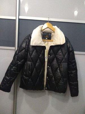 Очень классная Куртка не тонкая
