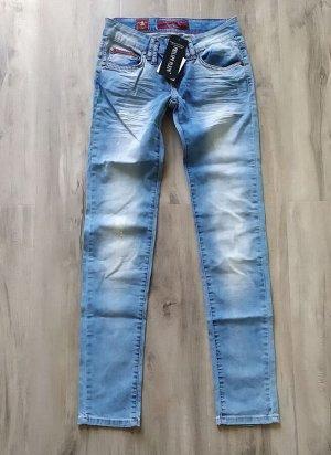 Женские летние джинсы, тонкий хлопок, цвет голубой.
