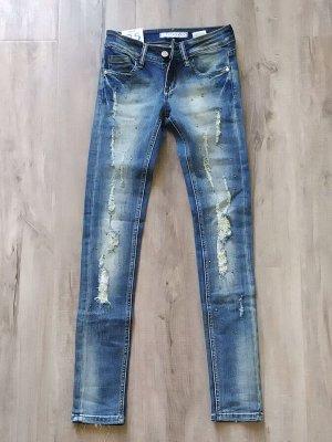 СТИЛЬНЫЕ женские зауженные джинсы со стразами, цвет светло-синий с потертостями