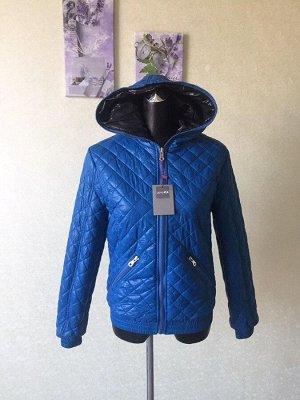 """Женская демисезонная """"стеганая"""" куртка с капюшоном"""