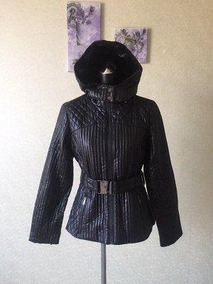 Демисезонная женская куртка с капюшоном, под пояс. Цвет горький шоколад