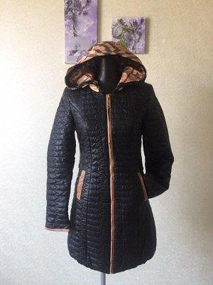 Женское демисезонное пальто с капюшоном из мягкой кожи pu. Цвет черный