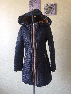 Женское демисезонное пальто с капюшоном из мягкой кожи pu. Цвет темно-синий