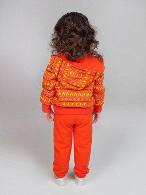 Комплект Хлопок 95%, эластан 5% Трикотажный комплект из толстовки и брюк для девочки. Толстовка с капюшоном из ткани с принтом Якорьки застегивается на молнию. Брюки из оранжевого однотонного трикотаж