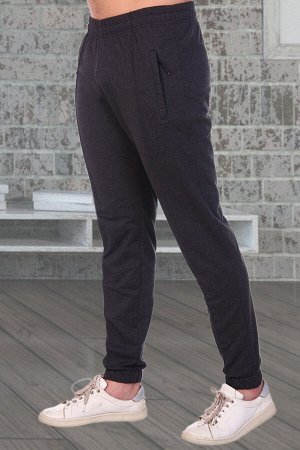 "Брюки Бренд: Натали. Ткань: футер 2-х нитка  Состав: 72% хлопок, 20% п/э, 8% лайкра  Брюки мужские современной модели, ткань футер 2-х нитка компакт пенье, карманы на молнии, декоративная ""стрелочка""."