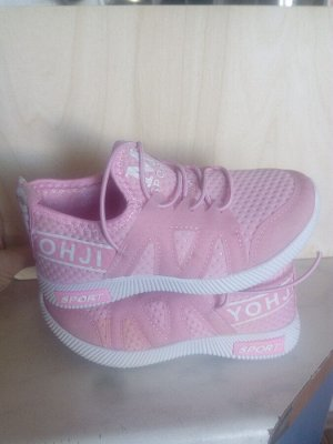 Кроссовки для девочки(фото внутри)