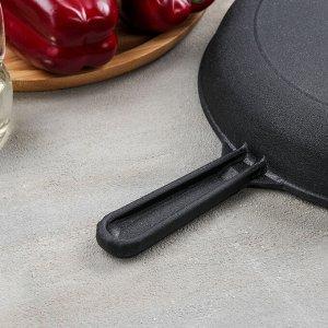 Сковорода 24 см, с чугунной ручкой и алюминиевой крышкой