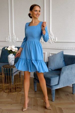 Платье Размер: 42 / 44 Шикарная модель платья выпонено в небесно-голубом цвете! Создаст прекрасное настроение и позволит выделится из толпы.Модель с расклешенной юбкой и широким воланом на резинке, ко