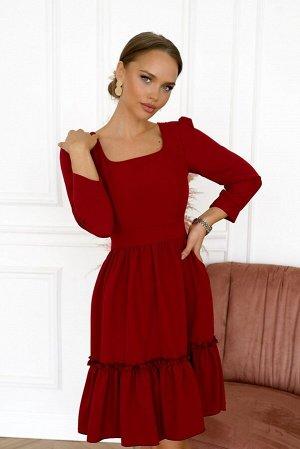 Платье Размер: 48 Нереально красивый винный цвет. Нежнейшая ткань вискозного полотна Flora Сзади замок 50 см Шикарное платье насыщенного винного цвета с оборкой на реинке по низу юбки. Этим элементом