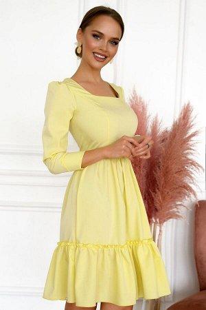 Платье Размер: 46 / 48 Желтое платье яркое и игривое! Создаст прекрасное настроение и позволит выделится из толпы.Модель с расклешенной юбкой и широким воланом на ней, которая дропируется по внешнему