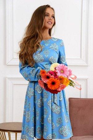 Платье Размер: 44; Цвет: Очень красивое платье из легкого текстильного полотна. Приятный небесный цвет. Ткань Италия. собственный дизайн . Поясок в комплекте .
