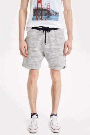 шорты Размеры модели: рост: 1,87 грудь: 77 талия: 95 бедра: 93 Надет размер: M  Полиэстер 7%, Хлопок 93%