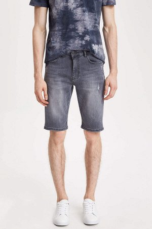 шорты Размеры модели: рост: 1,87 грудь: 77 талия: 95 бедра: 93 Надет размер: 30 Elastan 2%, Хлопок 86%, Полиэстер 12%