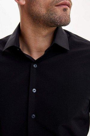рубашка Размеры модели: рост: 1,82 грудь: 98 талия: 81 бедра: 96 Надет размер: M  Хлопок 55%, Полиэстер 45%