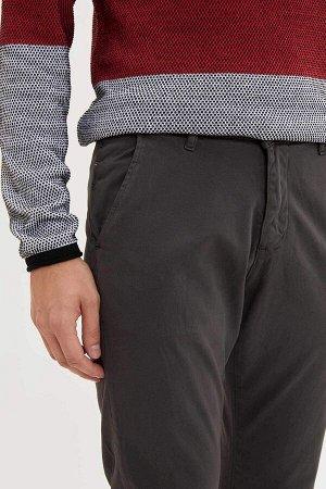 брюки Размеры модели: рост: 1,9 грудь: 100 талия: 84 бедра: 101 Надет размер: размер 30 - рост 32  Хлопок 97%,Elastan 3%