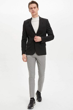 брюки Размеры модели: рост: 1,89 грудь: 98 талия: 80 бедра: 95 Надет размер: размер 30 - рост 30  Вискоз 33%, Полиэстер 64%,Elastan 3%