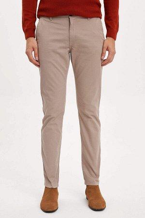 брюки Размеры модели: рост: 1,9 грудь: 100 талия: 84 бедра: 101 Надет размер: размер 30 - рост 32  Хлопок 98%,Elastan 2%