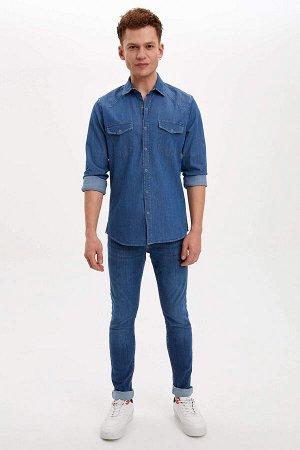 рубашка Размеры модели: рост: 1,85 грудь: 98 талия: 78 бедра: 83 Надет размер: M Elastan 2%, Хлопок 98%