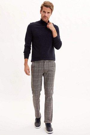 брюки Размеры модели: рост: 1,89 грудь: 98 талия: 80 бедра: 95 Надет размер: размер 30 - рост 32 Elastan 3%, Хлопок 97%
