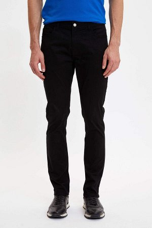 брюки Размеры модели: рост: 1,89 грудь: 100 талия: 74 бедра: 97 Надет размер: размер 32 - рост 32  Хлопок 98%,Elastan 2%