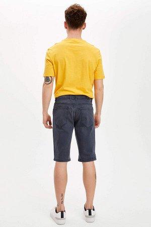 шорты Размеры модели: рост: 1,85 грудь: 98 талия: 78 бедра: 83 Надет размер: 32 Elastan 1%, Хлопок 99%