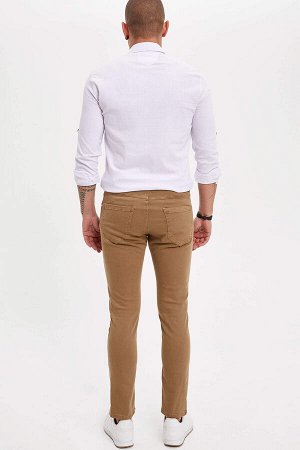 брюки Размеры модели: рост: 1,82 грудь: 98 талия: 81 бедра: 96 Надет размер: 30 Elastan 2%,Elastomultiester 8%, Хлопок 90%