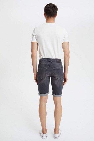 шорты Размеры модели: рост: 1,89 грудь: 100 талия: 74 бедра: 97 Надет размер: 30 Elastan 1%, Хлопок 99%