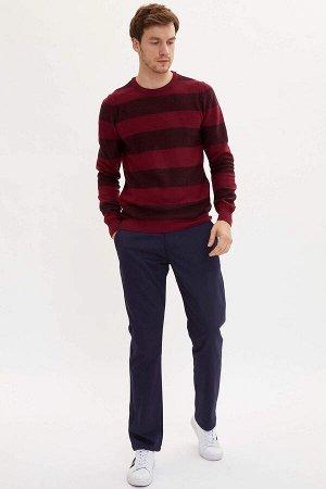 брюки Размеры модели: рост: 1,9 грудь: 100 талия: 84 бедра: 101 Надет размер: размер 32 - рост 32  Хлопок 98%,Elastan 2%
