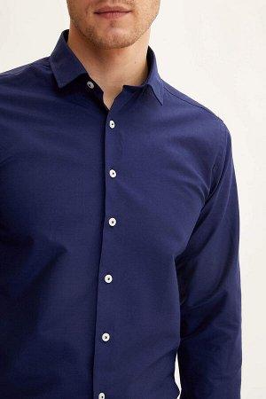 рубашка Размеры модели: рост: 1,86 грудь: 96 талия: 82 бедра: 94 Надет размер: M  Хлопок 55%, Полиэстер 45%