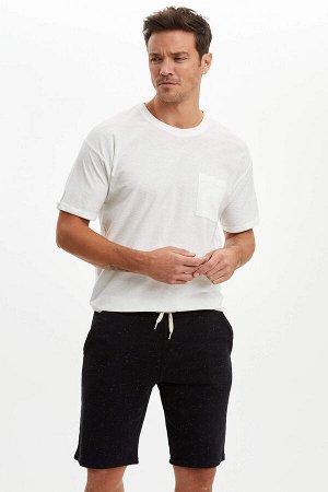 шорты Размеры модели: рост: 1,89 грудь: 100 талия: 81 бедра: 97 Надет размер: M Di?er Elyaf 3%, Хлопок 47%, Полиэстер 50%