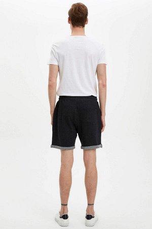шорты Размеры модели: рост: 1,88 грудь: 98 талия: 82 бедра: 95 Надет размер: M Di?er Elyaf 5%, Полиэстер 45%, Хлопок 50%