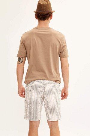 шорты Размеры модели: рост: 1,85 грудь: 98 талия: 78 бедра: 83 Надет размер: 30 Elastan 3%, Вискоз 33%, Полиэстер 64%