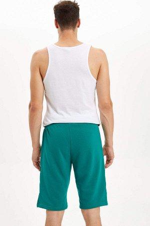 шорты Размеры модели: рост: 1,85 грудь: 96 талия: 80 бедра: 95 Надет размер: M  Полиэстер 5%, Хлопок 95%