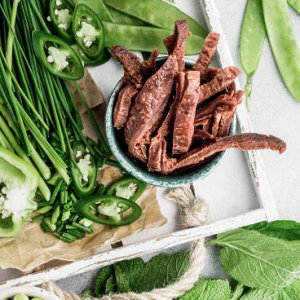 Растительные джерки со вкусом баранины