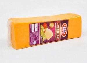 Сыр Чеддер 48% TM Saputo