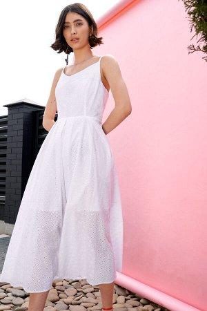 Сарафан 100 хлопок Рост: 170 см. Платье - сарафан из хлопковой ткани на хлопковой подкладке отрезное по линии талии с широкой сборкой. Бретели регулируемые. Застежка - потайная тесьма молния в среднем