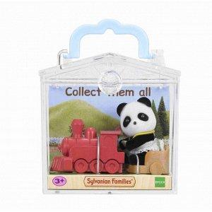 Игрушка младенец в пласт. коробке(медвеж. с сумочкой, котёнок за партой, панда на каталке-паровоз.)