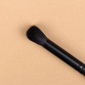 Кисть для макияжа «Premium», в чехле, 18,8 см, цвет чёрный
