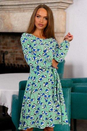 Платье Платье с цветочным принтом - один из трендов текущего года. Ваш образ будет безупречный. Уникальный фасон создаст удобство и комфорт. Модель из легкого текстильного полотна. Сзади замок 50 см.