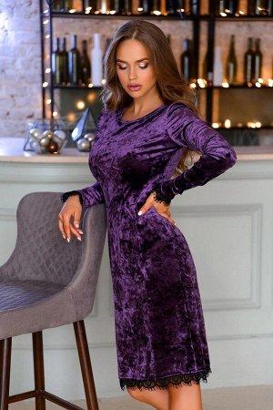 Платье Платье из бархатной ткани - ультрамодный предмет одежды, который позволит создавать лучшие праздничные образы Данная модель насыщенного фиолетового цвета с ажурным кружевом по низу