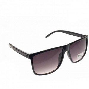 Стильные мужские очки Gamer в чёрной оправе с затемнёнными линзами.