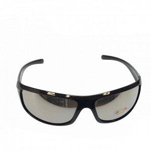 Стильные мужские очки Blumberg в чёрной оправе с зеркально-серебристыми линзами.