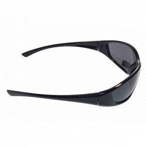 Стильные мужские очки Onza в чёрной оправе с затемнёнными линзами.