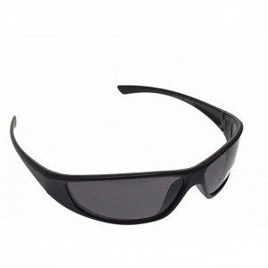 Стильные мужские очки Onza в чёрной матовой оправе с затемнёнными линзами.