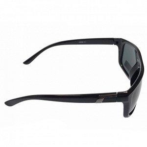 Стильные мужские очки Web в чёрной оправе с затемнёнными линзами.