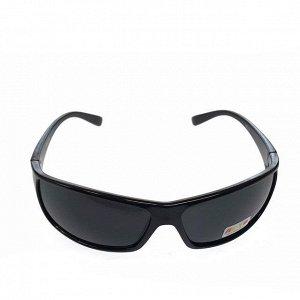 Стильные мужские очки Blumberg в чёрной оправе с затемнёнными линзами.