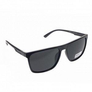 Стильные мужские очки Buono чёрного цвета с чёрными линзами.